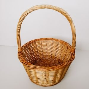 Other - Vintage Woven Wicker Round Basket Handle Boho